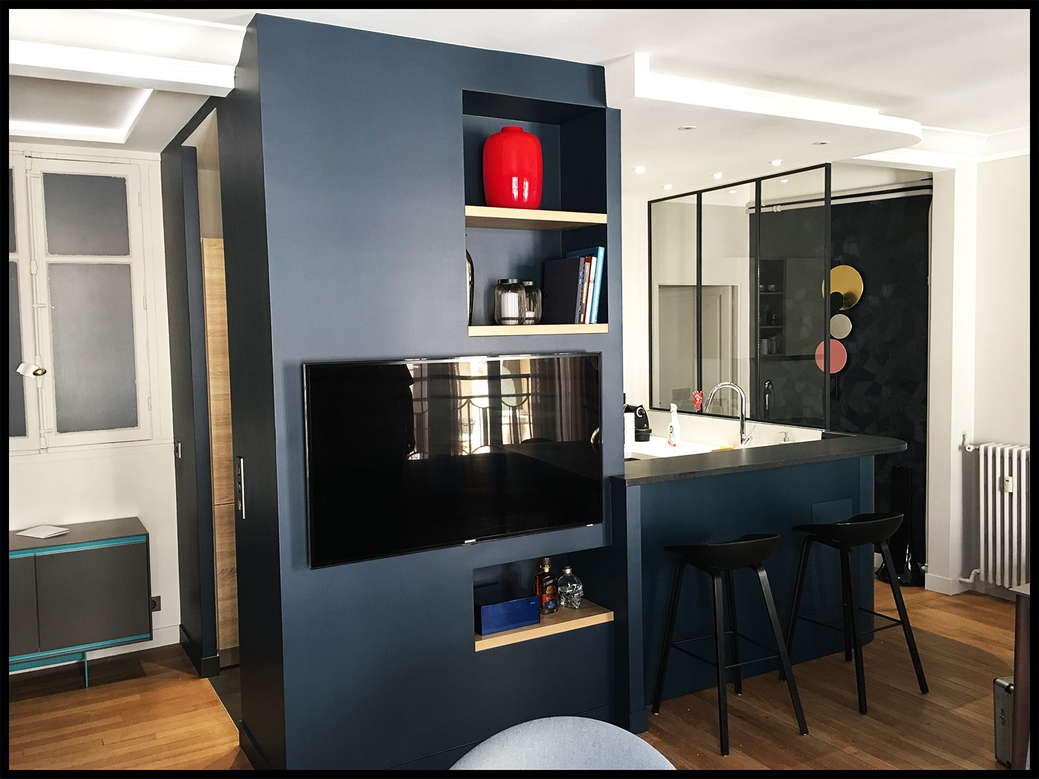 bar arrondi avec plan de travail en granit vetabois. Black Bedroom Furniture Sets. Home Design Ideas
