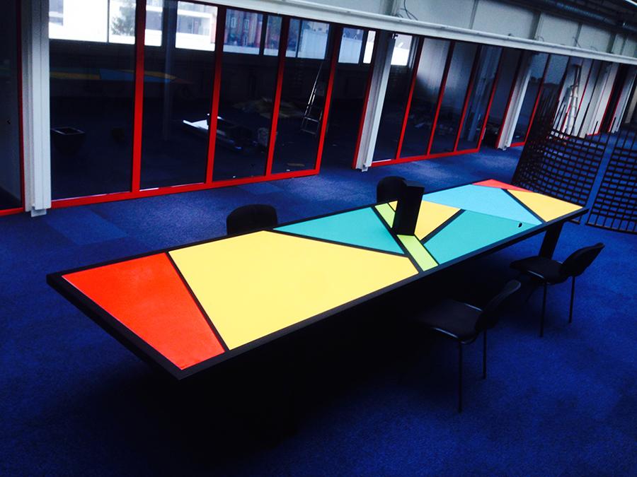 table contemporaine vetabois. Black Bedroom Furniture Sets. Home Design Ideas